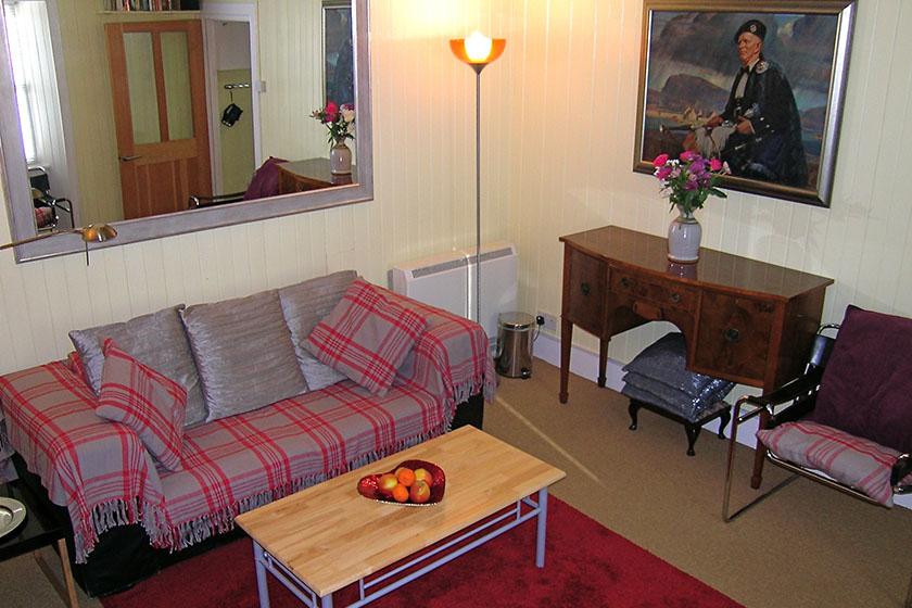 Visit Plockton Rhu Cottage lounge